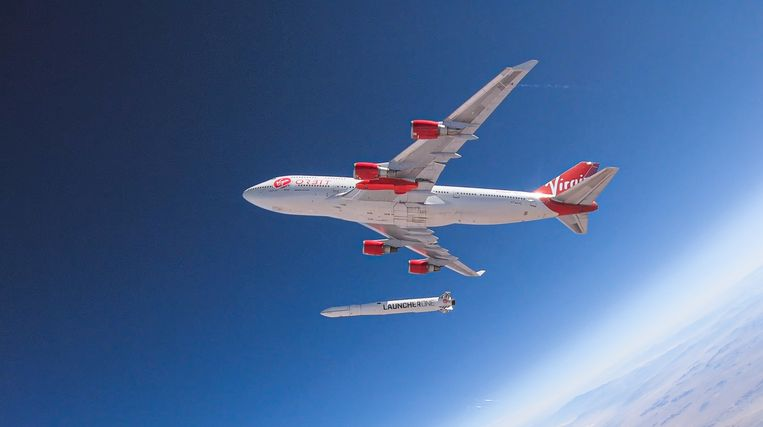 Een test waarbij een LauncherOne-raket wordt gedropt van Cosmic Girl, een aangepaste Boeing 747. r