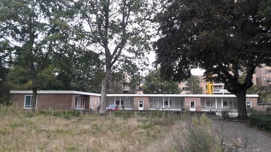 Het voormalige schoolgebouw aan de Nansenweg in het Heuvelkwartier in Breda.