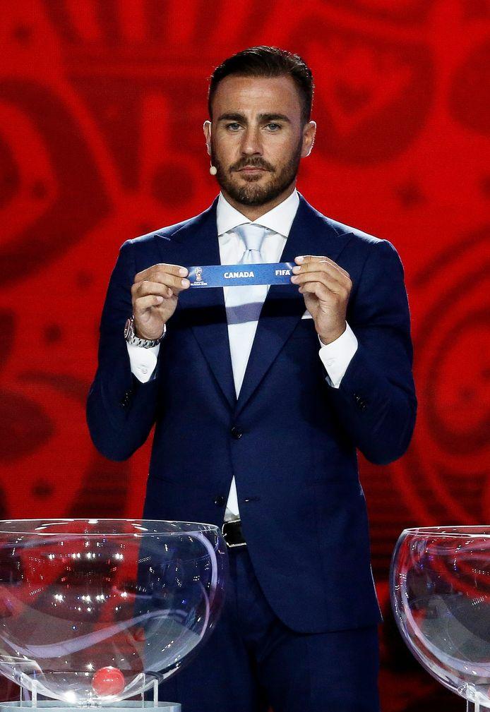 Fabio Cannavaro assisteerde vier jaar geleden bij de loting voor het laatste WK, in Canada.