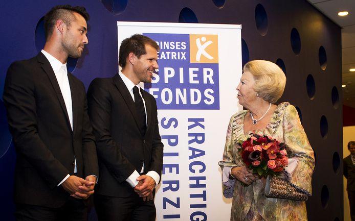 Jan Kooijman en musicalacteur René van Kooten ontmoetten prinses Beatrix vorig jaar op een bijeenkomst van het Spierfonds.