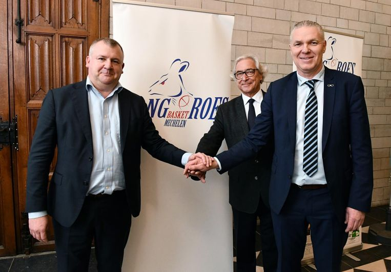 Voorzitter Luc Katra (r.) met links Walter Schroons (schepen van Sport in Mechelen) en Arthur Goethals (voorzitter Pro Basketball League).