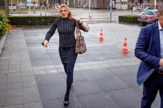 Bestuursvoorzitter Inge van Dijk arriveert voor het crisisberaad van haar CDA in Brabant.