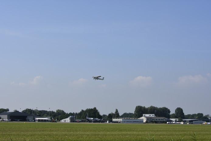 Nieuwe vliegroutes van Lelystad Airport hebben grote gevolgen voor de kleine luchtvaart in Nederland.