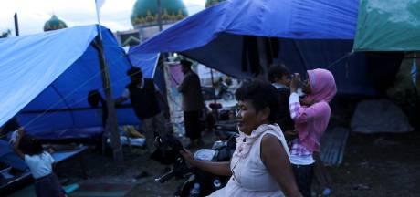 Honderden tenten als klaslokaal op Sulawesi