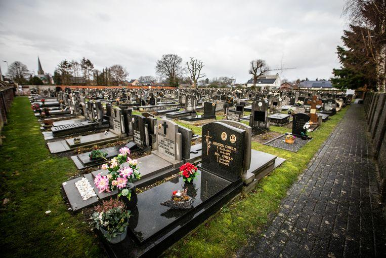 Het kerkhof in Eksel
