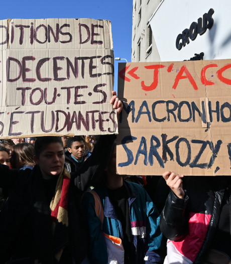 """Anas, l'étudiant immolé à Lyon, est toujours en coma artificiel: """"Il s'accroche et se bat"""""""