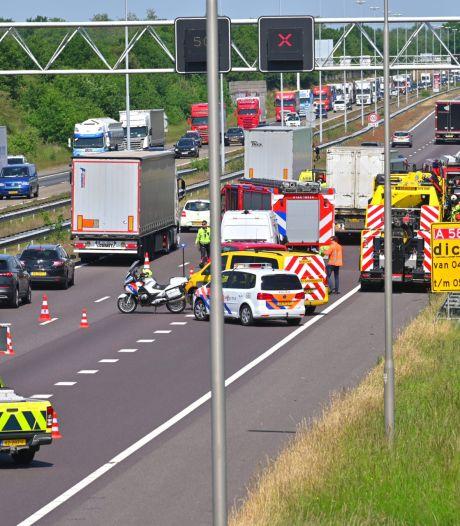 Drie vrachtwagens betrokken bij ongeluk A58 bij Ulvenhout