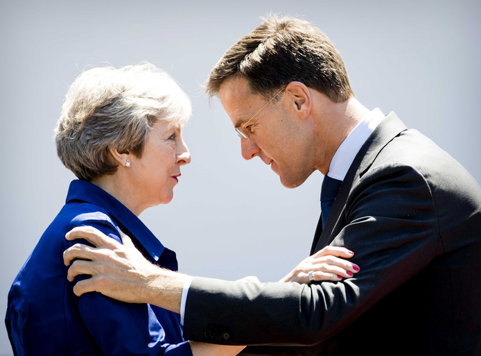 Minister-president Mark Rutte en Theresa May.