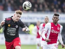 PSV-huurling De Wijs  breekt pols in duel met Ajax