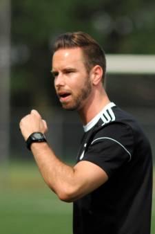 Voorstel: vier duels schorsing Roy de Haan na rode kaart, DUNO-trainer dient verweer in