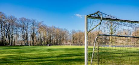 KNVB: 50 procent voetbalclubs blijft open in zomer