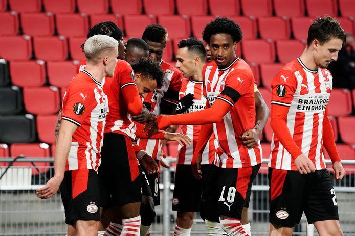 PSV viert de 3-2 tegen PAOK Saloniki.