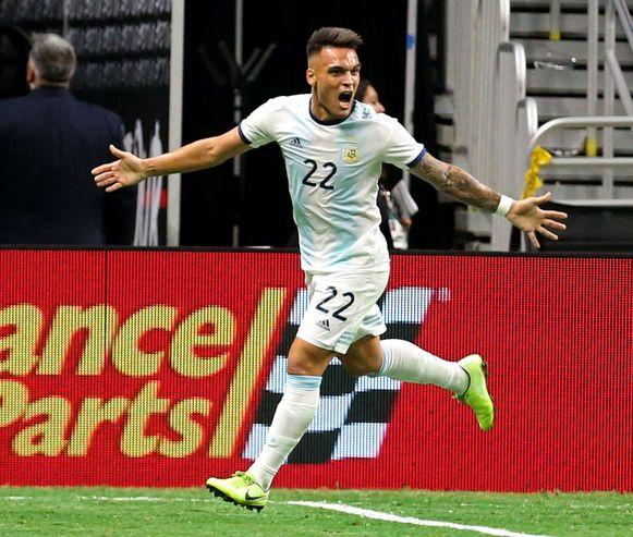 Lautaro Martinez drie keer aan het feest tegen Mexico.