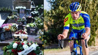 """Dieven viseren tot woede van familie het graf van in oktober overleden jonge wielrenner: """"Denken jullie niet dat we al genoeg pijn hebben geleden?"""""""