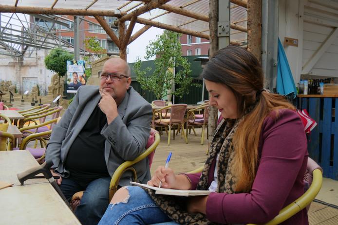 Interview met Eef bij het Zandsculpturen Festival.