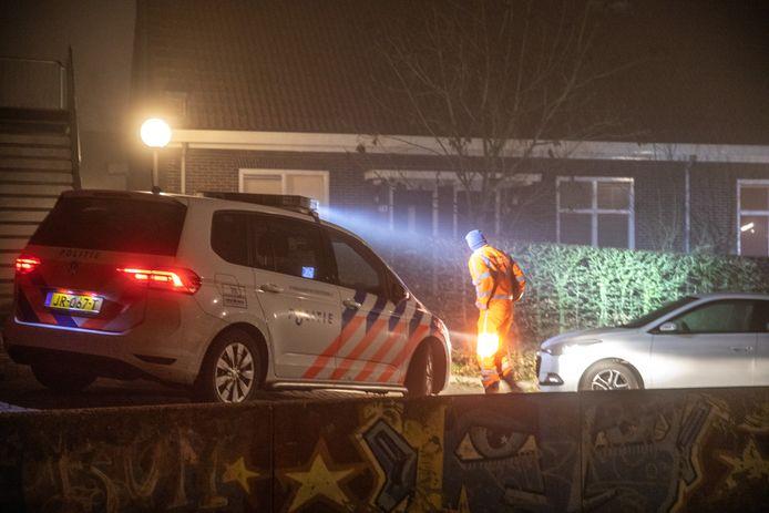 De politie deed oudjaarsdag onderzoek naar de dodelijke schietpartij in Zwolle.