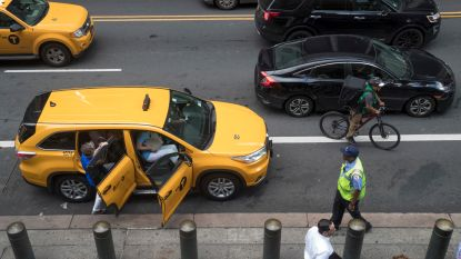 New York legt groei taxidiensten Uber en Lyft aan banden