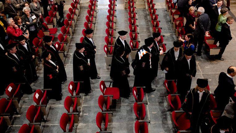 Binnenkomst van hoogleraren van de Universiteit van Amsterdam tijdens de 382ste Dies Natalis in 2014. Beeld anp