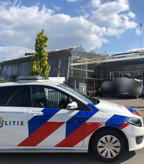 Klungelige inbrekers gaan voor school recht tegenover politiebureau; avontuur binnen twee minuten voorbij