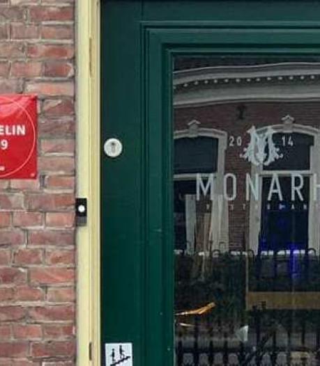 Daar hangt 'ie dan, de eerste Michelinster van Tilburg: 'Personeel loopt nog met een glimlach rond'