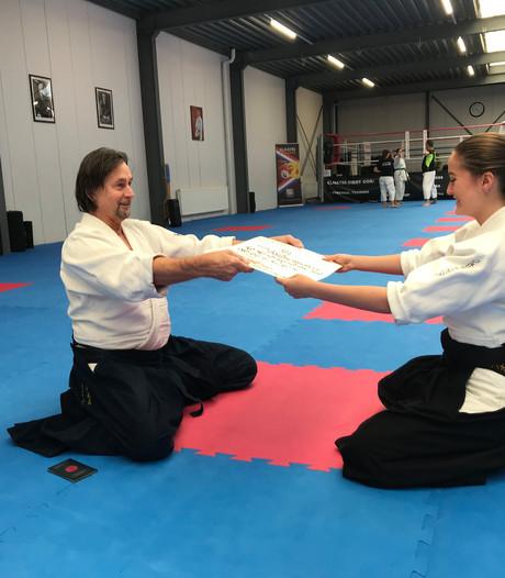 Overberg (16) pakt zwarte band met vechtsport aikido