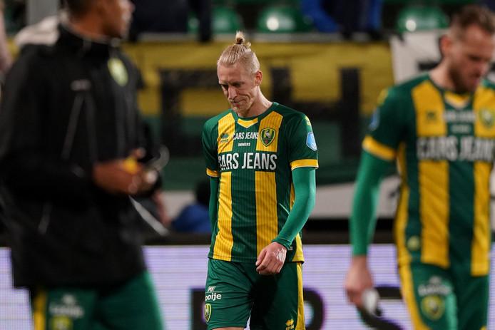 Lex Immers baalt na de verloren thuiswedstrijd tegen PSV.