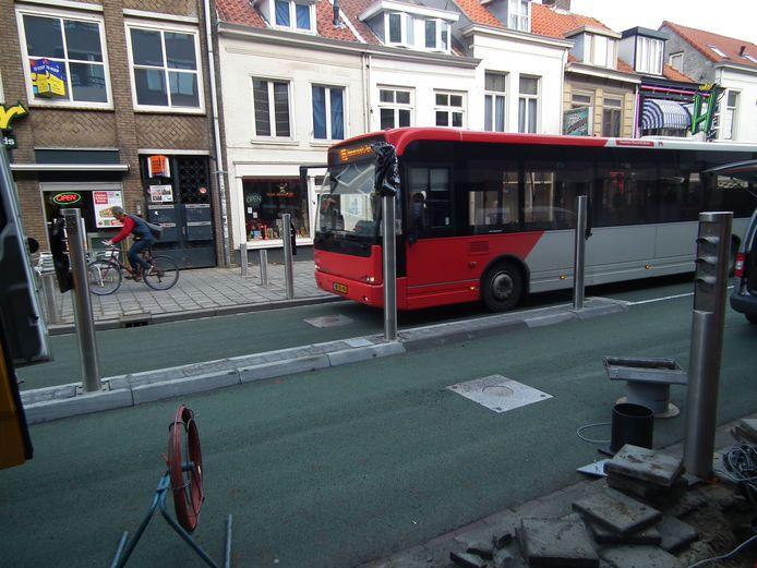 In Breda rijden nog geen elektrische stadsbussen, waar ze elders in sommige plaatsen in Brabant wel al rijden.
