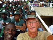 Gravenaar (68) in Gambia: Spanning stijgt met de minuut