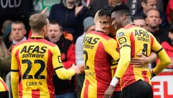 KV Mechelen verschalkt Antwerp in bevlogen duel en rukt op naar gedeelde derde plek