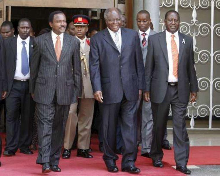 Vice-president Kalonzo Musyoka (L), president Mwai Kibaki (C) en oppositieleider Raila Odinga (R).