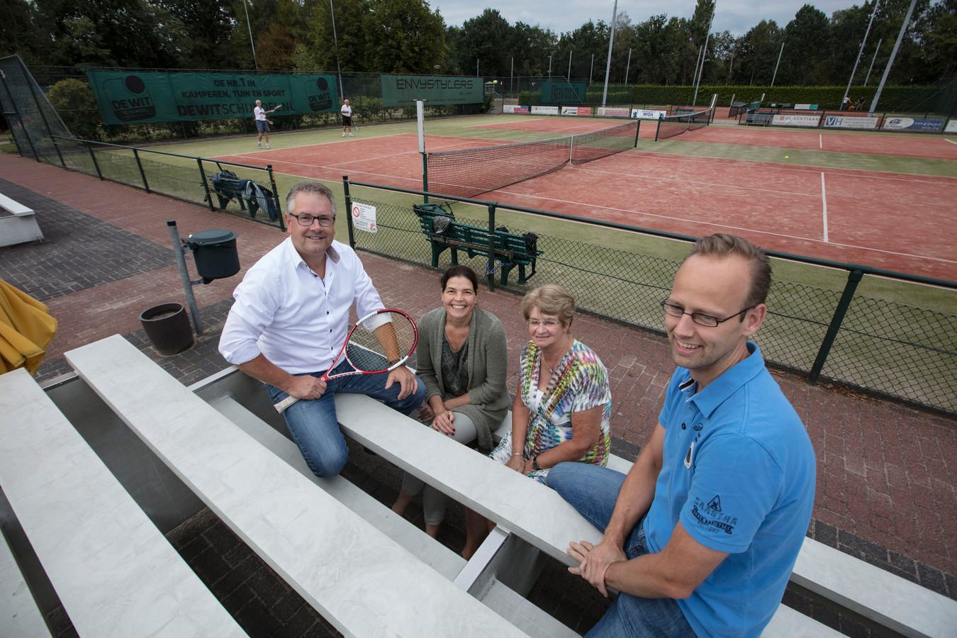 Geert van der Heijden, Pam Verpalen, Wil van der Horst en Anton van den Bosch (vlnr).