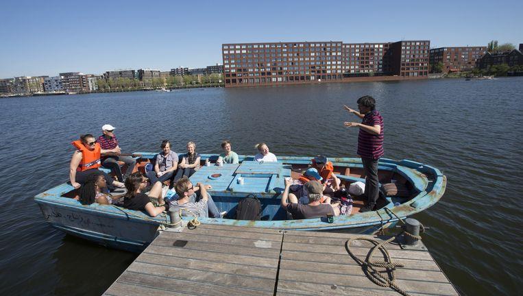 Het vluchtelingenbootje van ZEP Theater. Beeld Serge Ligtenberg