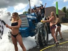 Burgemeester Bernheze vindt topless tractors wassen 'seksistisch'