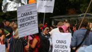 """""""Geen plaats voor nazi's"""": Honderden tegenbetogers vullen Berlijnse straten tijdens neonazimars"""