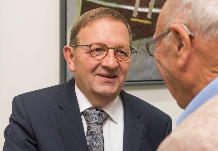 """Na zeven jaren als raadslid en ruimt dertien jaar als wethouder neemt Nico Gerritsen afscheid (en afstand) van de Puttense politiek. ,,Ik ga alle ontmoetingen en gesprekken wel missen."""""""