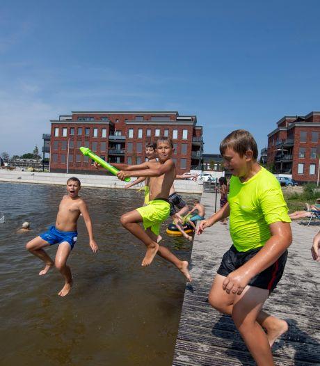 Stadsstrand Almelo: Brandend zand en heerlijk water