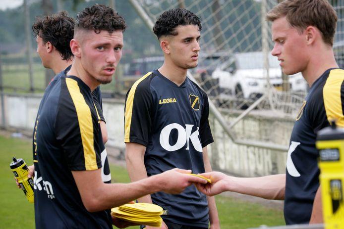 Skender Loshi (links) afgelopen zomer op de training van NAC.