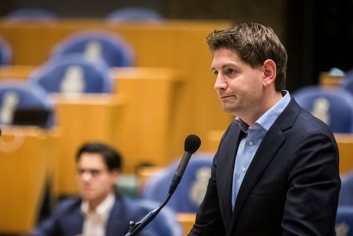 Turkse asielzoekers moeten zo snel mogelijk in staat worden gesteld om in de Nederlandse samenleving te integreren, stelt D66-Kamerlid Jan Paternotte.