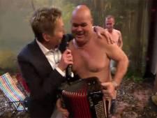 Paul de Leeuw is naturist in eigen show