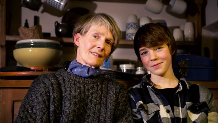 Francis Kenter en haar zoon Tom Watkins