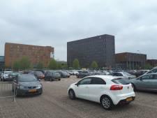 Zorgen over toename van auto's in wijk achter Dordts ziekenhuis bij verhoging van parkeertarief