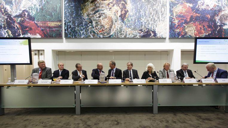 De onderhandelaars kwamen op 6 september 2013 bijeen om hun handtekening onder het Energieakkoord te zetten. Meer dan 40 partijen, waaronder kabinet, vakbonden, werkgevers en milieuorganisaties ondertekenden het Nationaal Energieakkoord. Beeld ANP