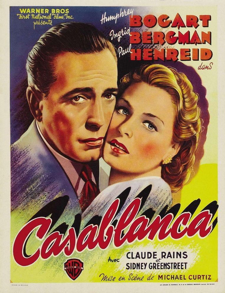 'In de openingsscène zit Bogart gebogen over een schaakbord.' Beeld