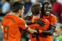 Ola John viert namens Jong Oranje de 3-1 tegen Jong Rusland tijdens de groepswedstrijd in poule B van het EK voetbal onder de 21 in 2013.