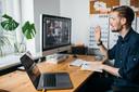 Bedenk goed hoe je thuisomgeving in beeld komt als je gaat videobellen, zegt kantoorinrichter Lieuwe Feenstra.