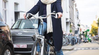 """Aangereden fietsster voert zelf onderzoek voor veiliger verkeer: """"Nog elke dag bang op de fiets"""""""