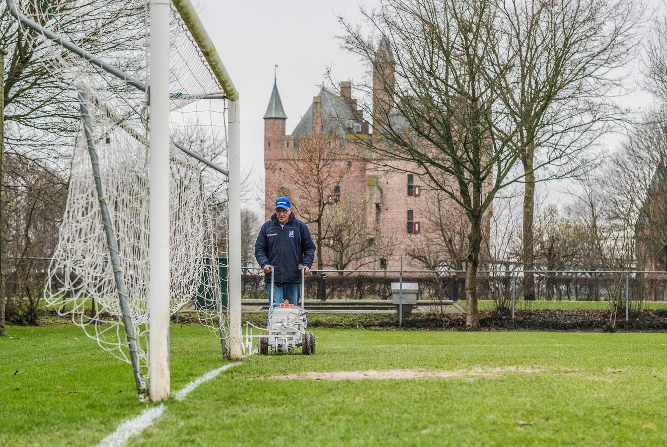 Voetbalclub GVA opent komende zomer een multifunctioneel kunstgrasveld waar alle Doornenburgers kunnen sporten.