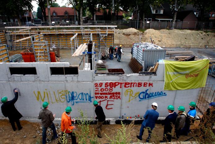 Start van de bouw van de huidige appartementen, nu tien jaar geleden.