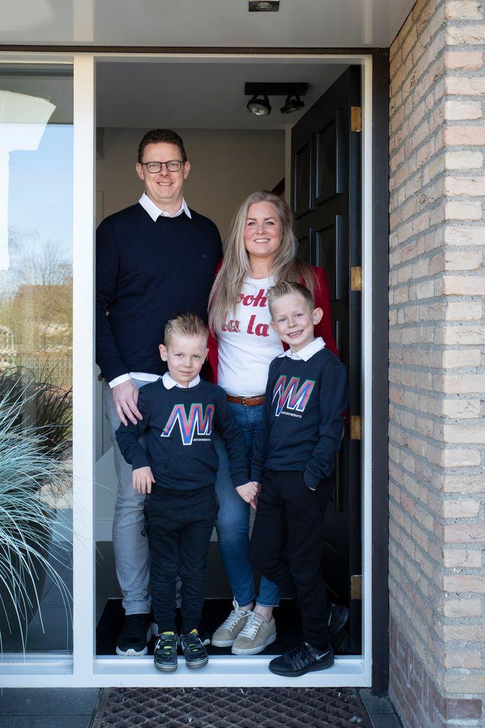 Rick, Niek, Elle en Tijn van der Krabben. #Wijzijnthuis.