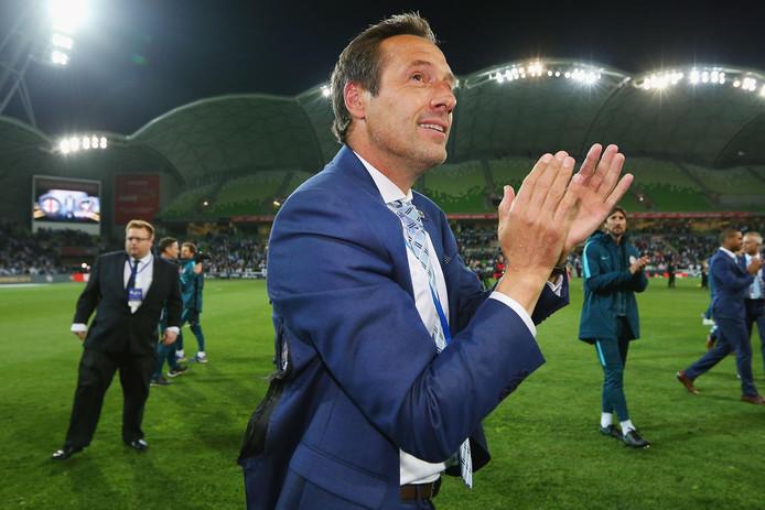 John van t Schip heeft de tranen in zijn ogen na het winnen van de Australische beker met Melbourne City.